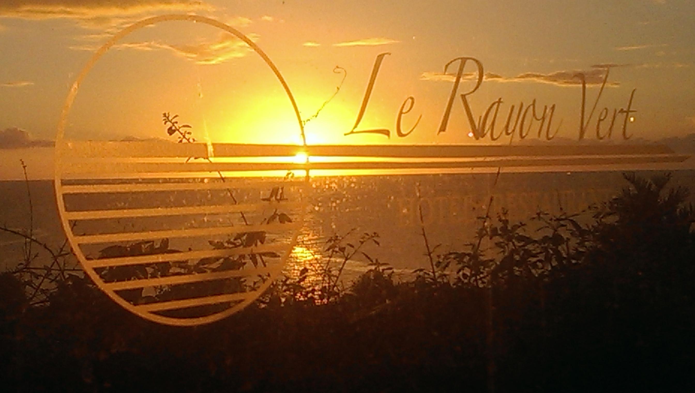 Coucher de soleil au Rayon Vert hôtel***-restaurant en Guadeloupe